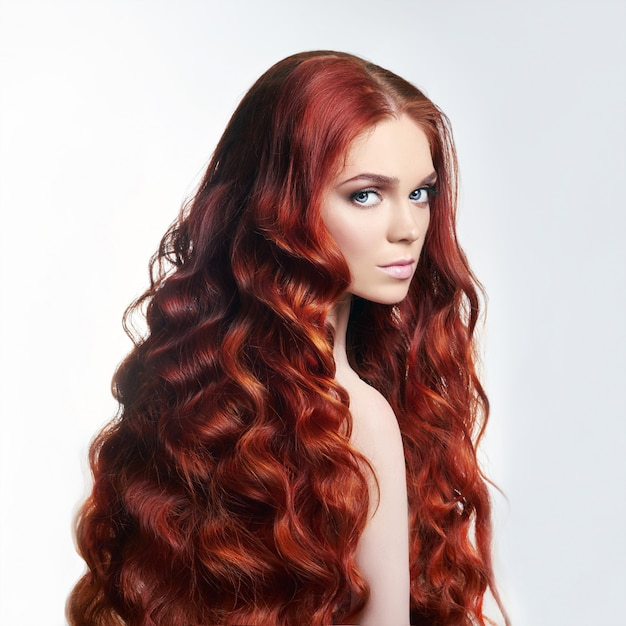 Estética roja - Página 2 Chica-pelirroja-hermosa-desnuda-sexy-pelo-largo_91497-710