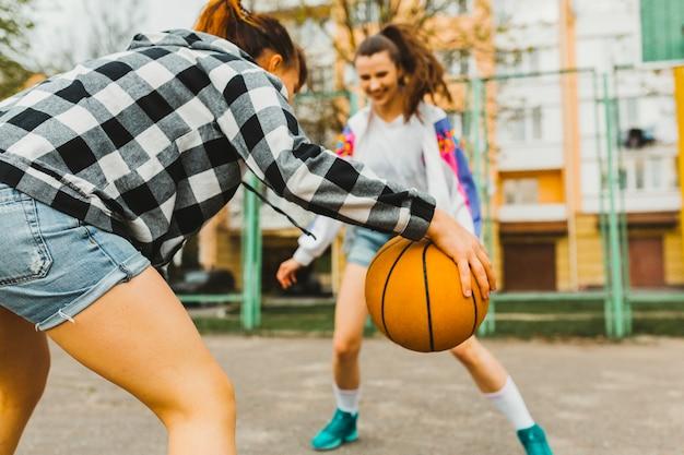 Chicas Jugando Baloncesto
