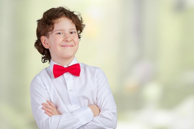Chico joven en smoking Foto Premium