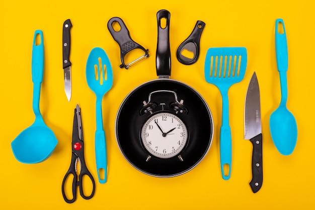 Conjunto De Utensilios De Cocina Amarillo