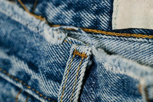 Cinturón de lazo de blue jeans primer plano Foto gratis