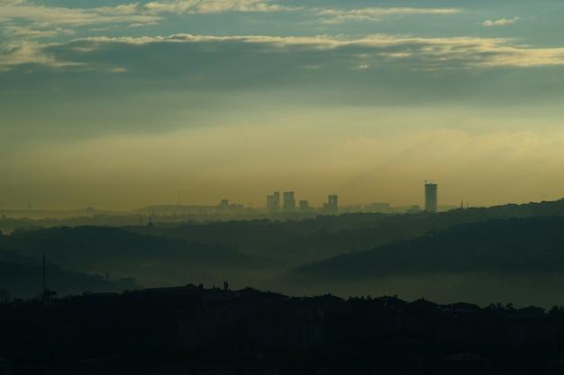 Ciudad con contaminación Foto gratis