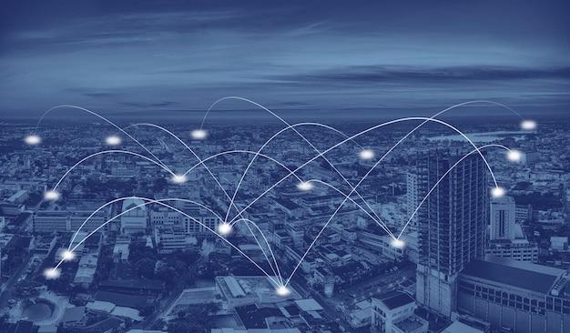 Ciudad inteligente y red de comunicación. Foto Premium