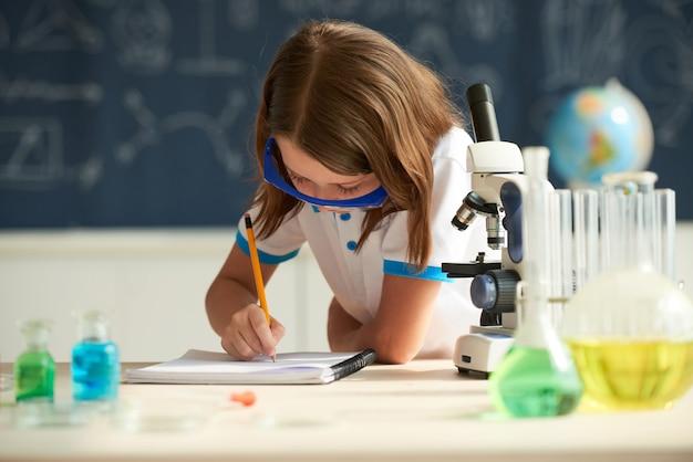 Clase de quimica Foto gratis