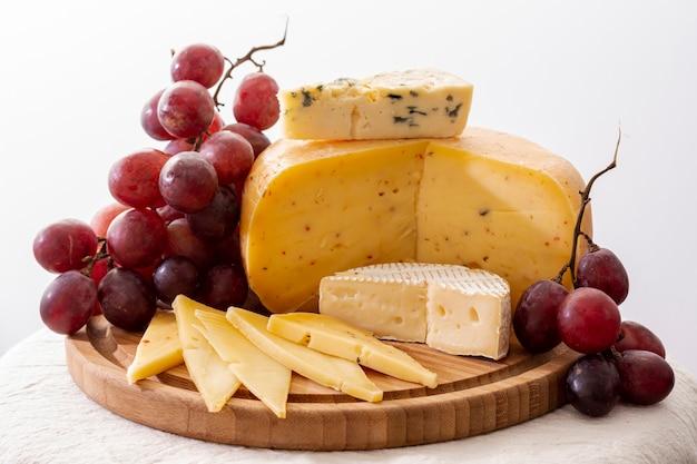 Close-up aperitivos gourmet en una mesa Foto gratis