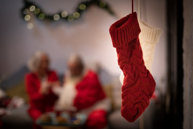 Close-up calcetines de navidad rojo y blanco Foto gratis