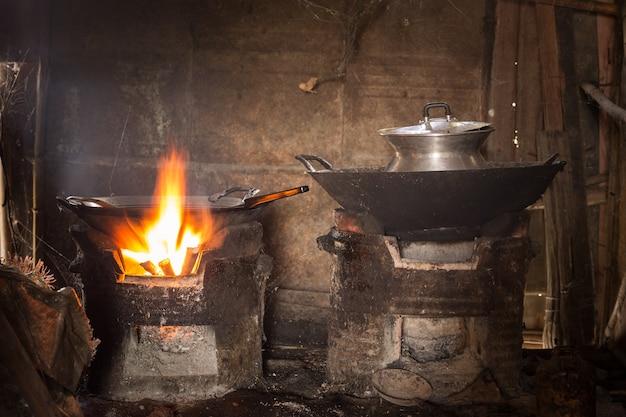 Cocina antigua, cocina local tailandia, cocina rural tradicional ...