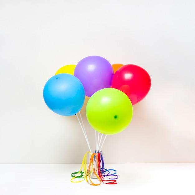 Colección de globos brillantes Foto gratis