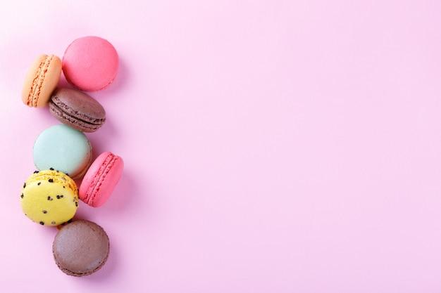 Coloridos macarons franceses Foto Premium