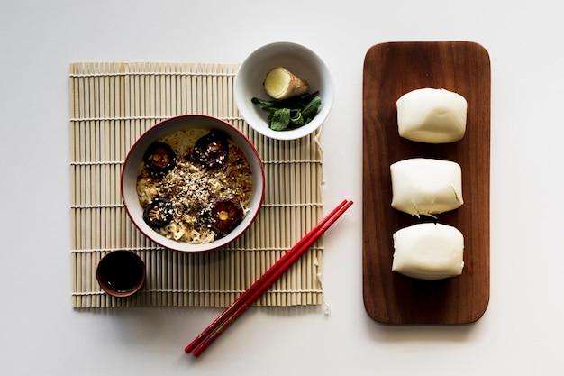 Comida asiática Foto gratis