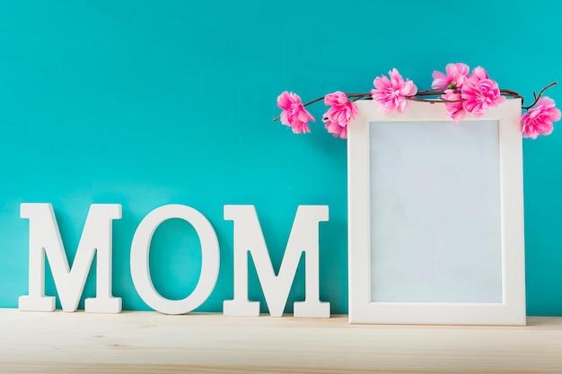 Composici n con marco para el d a de la madre descargar - Composicion marcos pared ...