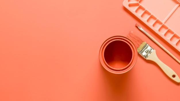 Composición del equipo del artista en color rosa. Foto gratis