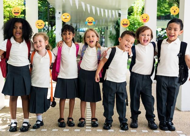 Comunidad escolar online para niños   Foto Premium
