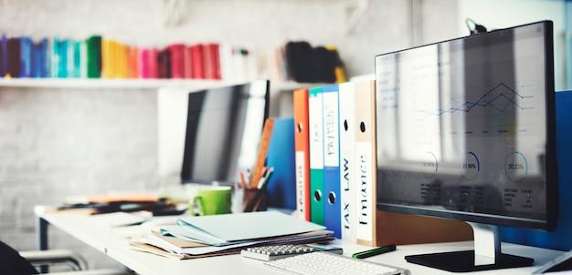 Concepto contemporáneo de los materiales de oficina del lugar de trabajo del sitio Foto gratis