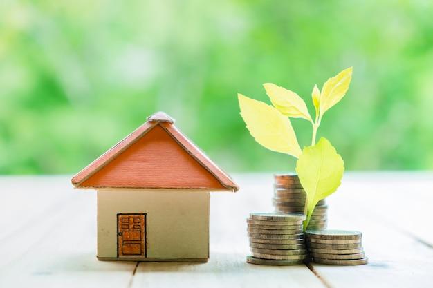 Concepto de ahorrar dinero para una casa concepto de - Ahorrar dinero en casa ...