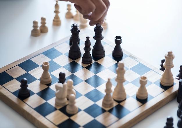Concepto de estrategia de negocio de juego de ajedrez Foto gratis