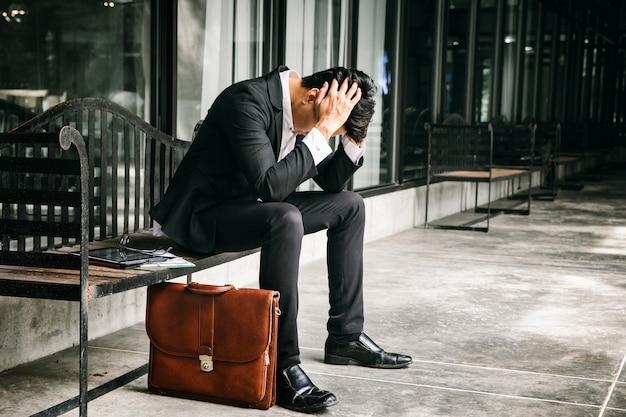 Concepto de fracaso empresarial y problema de desempleo Foto Premium