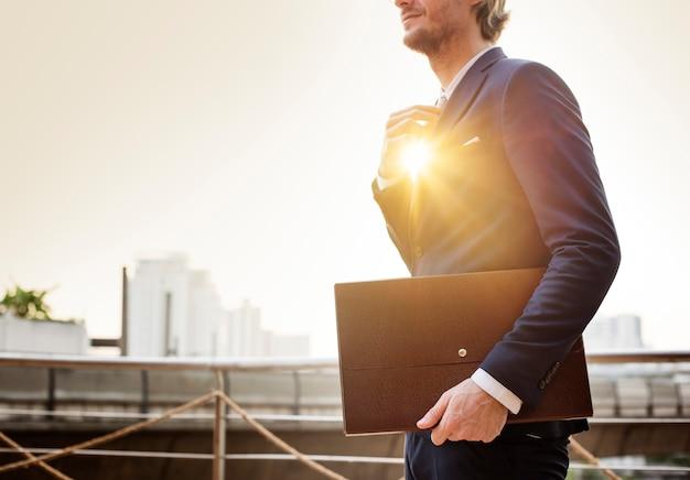 Concepto de hombre de negocios trabajando negocio ocupado Foto Premium