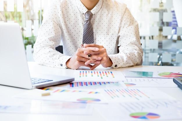 Concepto de idea de análisis de negocio. Foto gratis