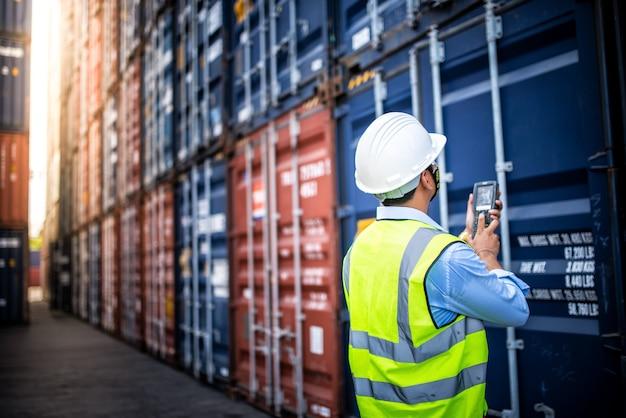 Concepto de logística empresarial, concepto de importación y exportación Foto Premium