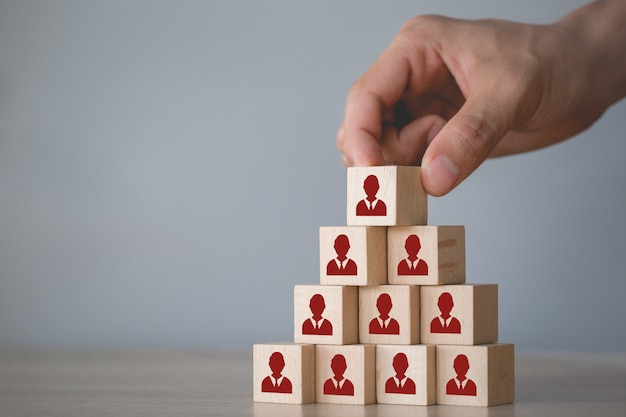 Concepto de negocios de gestión de recursos humanos y reclutamiento, estrategia comercial para tener éxito en las prácticas comerciales altamente activas de hoy Foto Premium