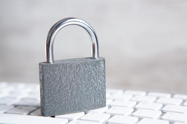 Concepto de seguridad informática y de internet. Foto Premium