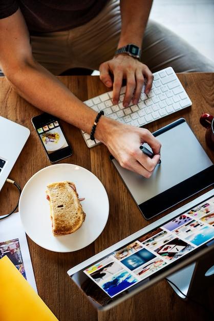 Concepto de sobrecarga funcional de trabajo contemporáneo Foto Premium