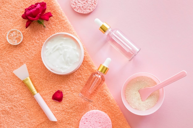 Concepto de spa de belleza y salud de maquillaje de vista superior Foto Premium