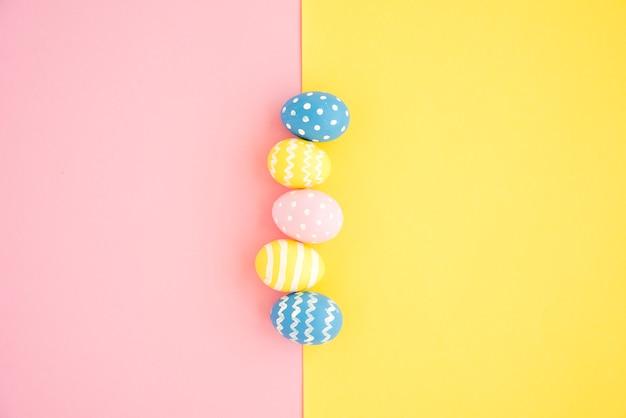 Conjunto de huevos de pascua Foto gratis