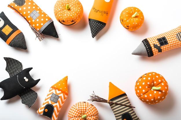 Conjunto de varios juguetes de halloween Foto gratis