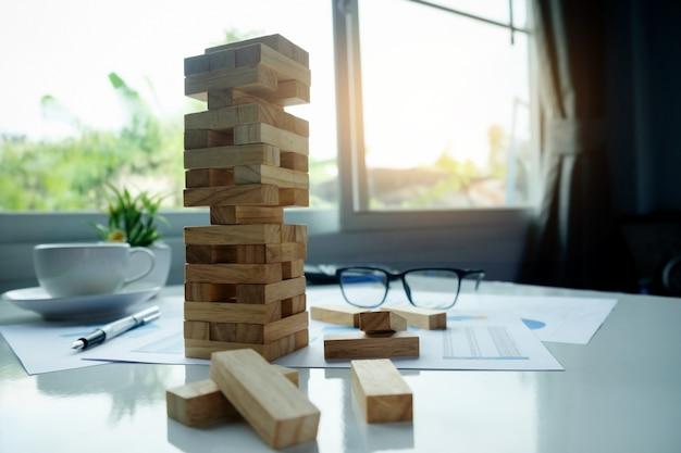 Construcción organización incertidumbre elección abstracto riesgo Foto gratis