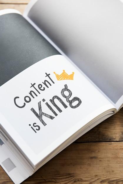El contenido de la frase es el rey en una revista Foto Premium