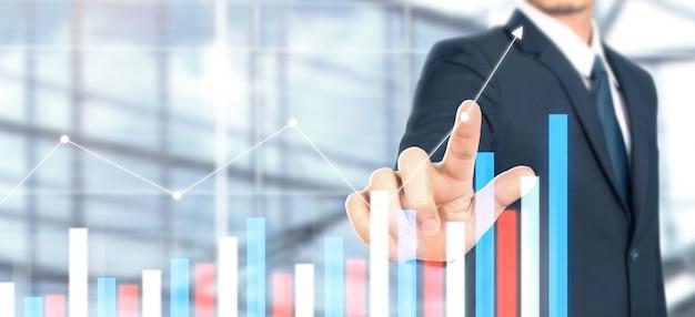 Crecimiento del gráfico del plan del empresario y aumento de los indicadores positivos del gráfico Foto Premium