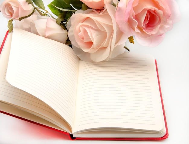 Cuaderno con flores Foto Premium