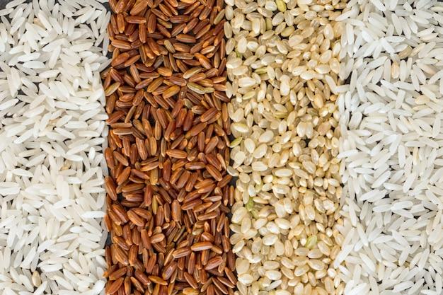 Cuatro tipos diferentes de fondo de arroz Foto gratis