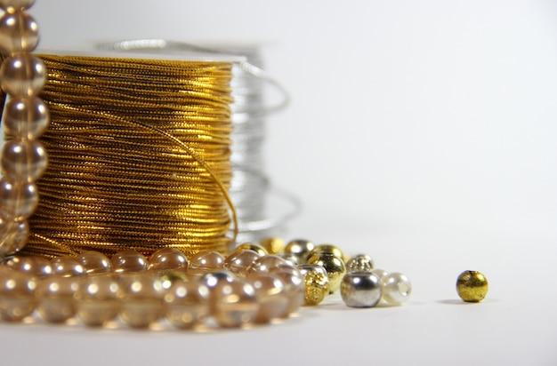 Cuentas para armar bijouteri Foto Premium