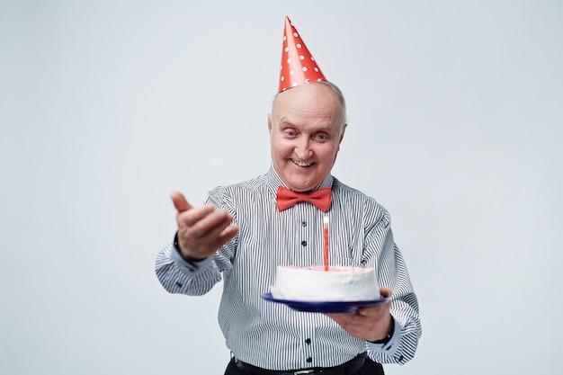 Cumpleaños celebrando senior Foto gratis