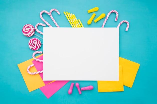 Decoración de cumpleaños con hoja de papel en blanco | Descargar ...