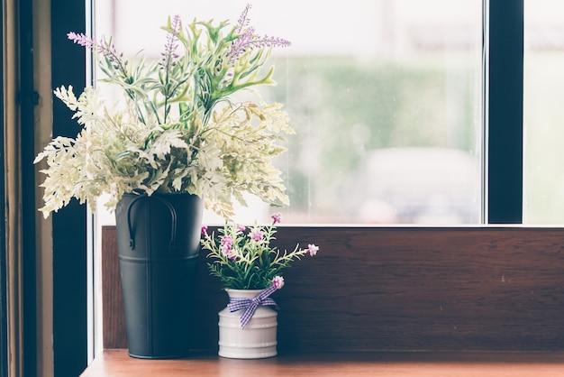 Decoraci n de interiores jarr n de flores descargar for Paginas de decoracion de interiores gratis