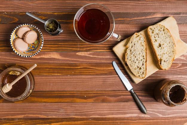 Desayuno con té Foto gratis