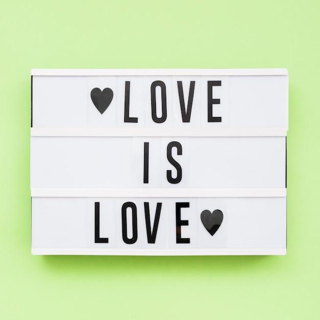 Día feliz del orgullo mundial el amor es amor Foto gratis
