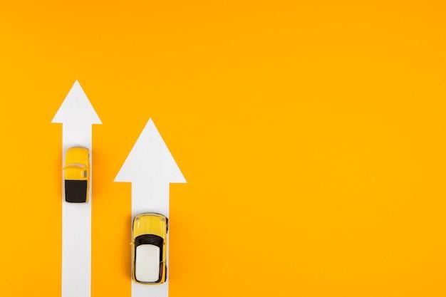Diferentes rutas para la navegación del automóvil. Foto Premium