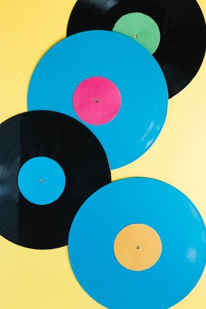 Discos de vinilo en amarillo   Descargar Fotos gratis