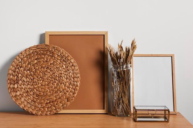 Diseño de escritorio interior minimalista. Foto gratis