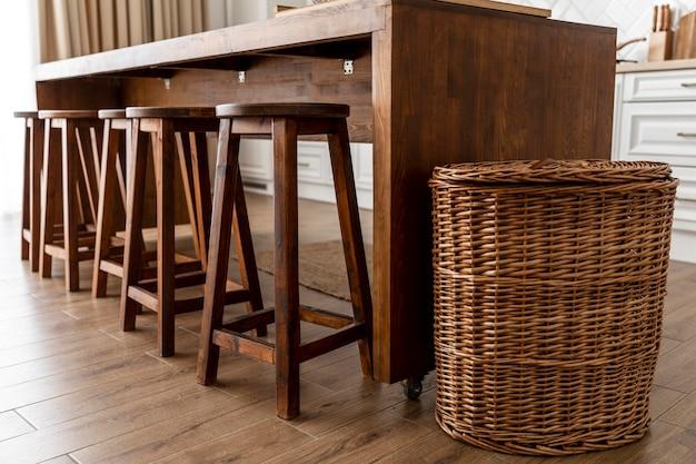 Diseño de interiores de cocina de muebles de madera Foto gratis