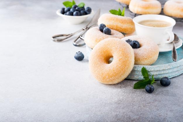 Donuts caseros con azúcar Foto Premium
