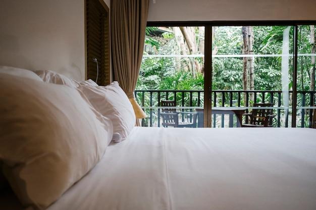 Dormitorio tranquilo Foto gratis