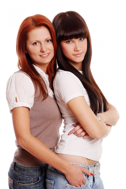 Dos jóvenes y hermosas hermanas Foto gratis