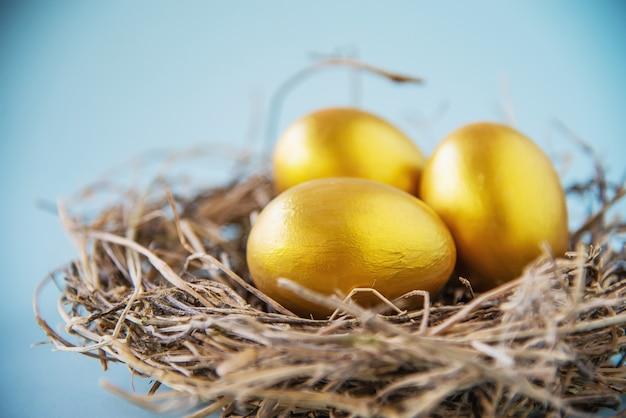 Dulce colorido fondo de huevos de pascua - conceptos de celebración de fiesta nacional Foto gratis