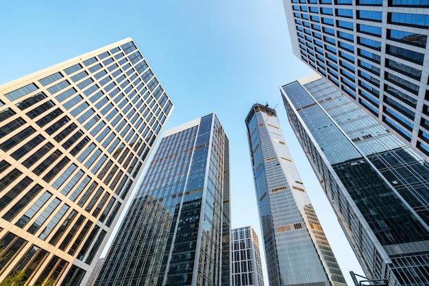 Edificio de oficinas de arquitectura moderna en el distrito financiero de jinan Foto Premium